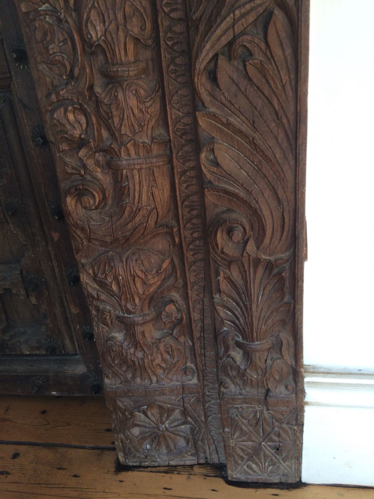 For Sale Carved wooden Doors.- SalvoWEB UK Carved Wooden Door For Sale on