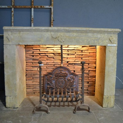 Cheminee pierre ancienne - Antique French limestone fireplace