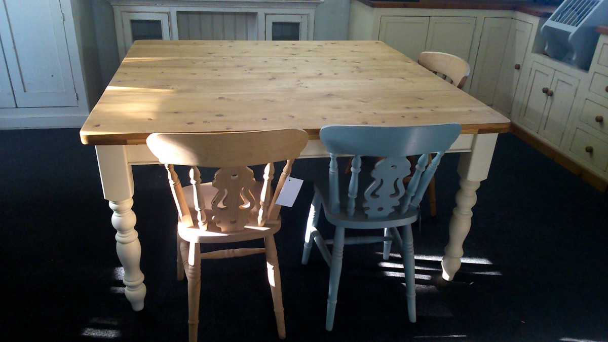 5FT x 5FT bespoke old pine table on painted turned legs.