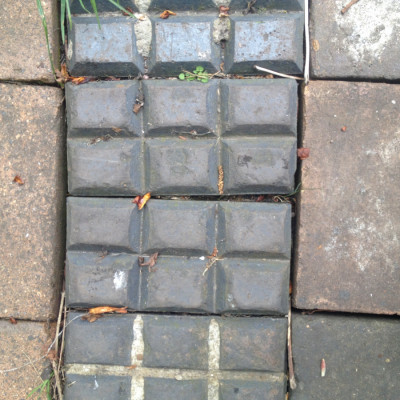 90 Victorian blue / grey paving bricks / blocks