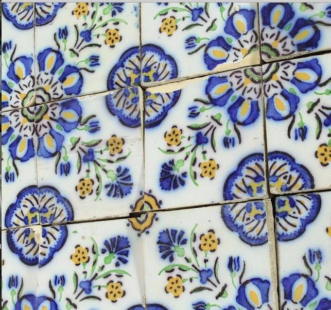 1533566373Reclaimed tiles.jpg