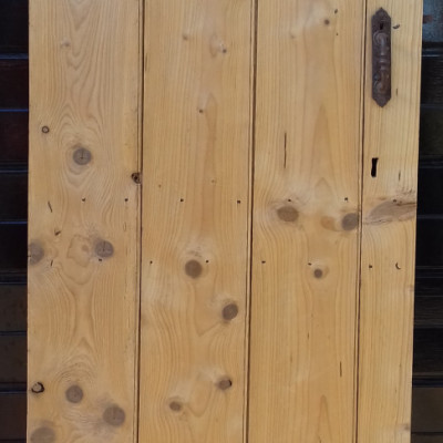 4 plank ledged pine door