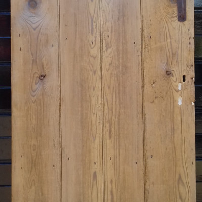 An early beaded 4 plank ledged pine door