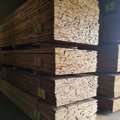Reclaimed pine planks - large quantity available
