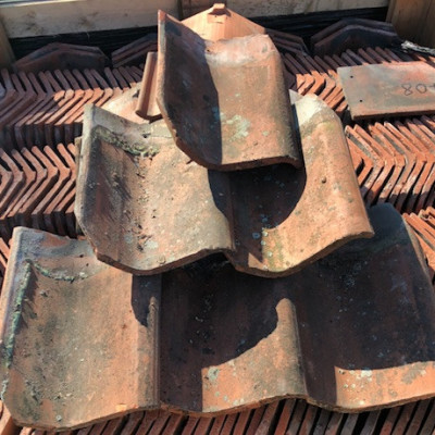 Reclaimed Roof Tiles Machine Made Red Smooth Faced 10.5 x 6.5