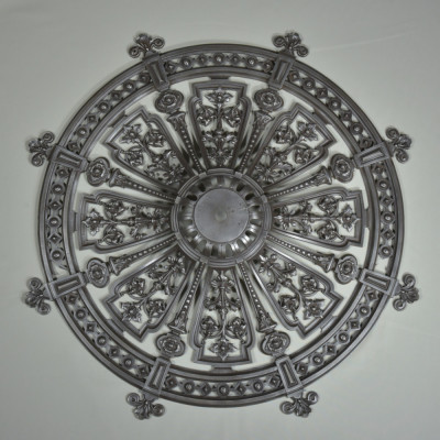 cast-iron-ceiling-rose-1870-1.jpg