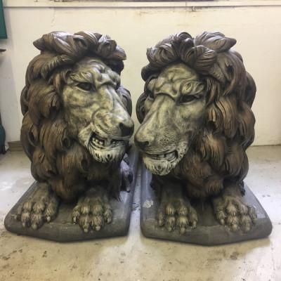 2 x Henri Studio Original Lions from USA