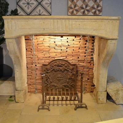Cheminee ancienne pierre calcaire - Antique French fireplace