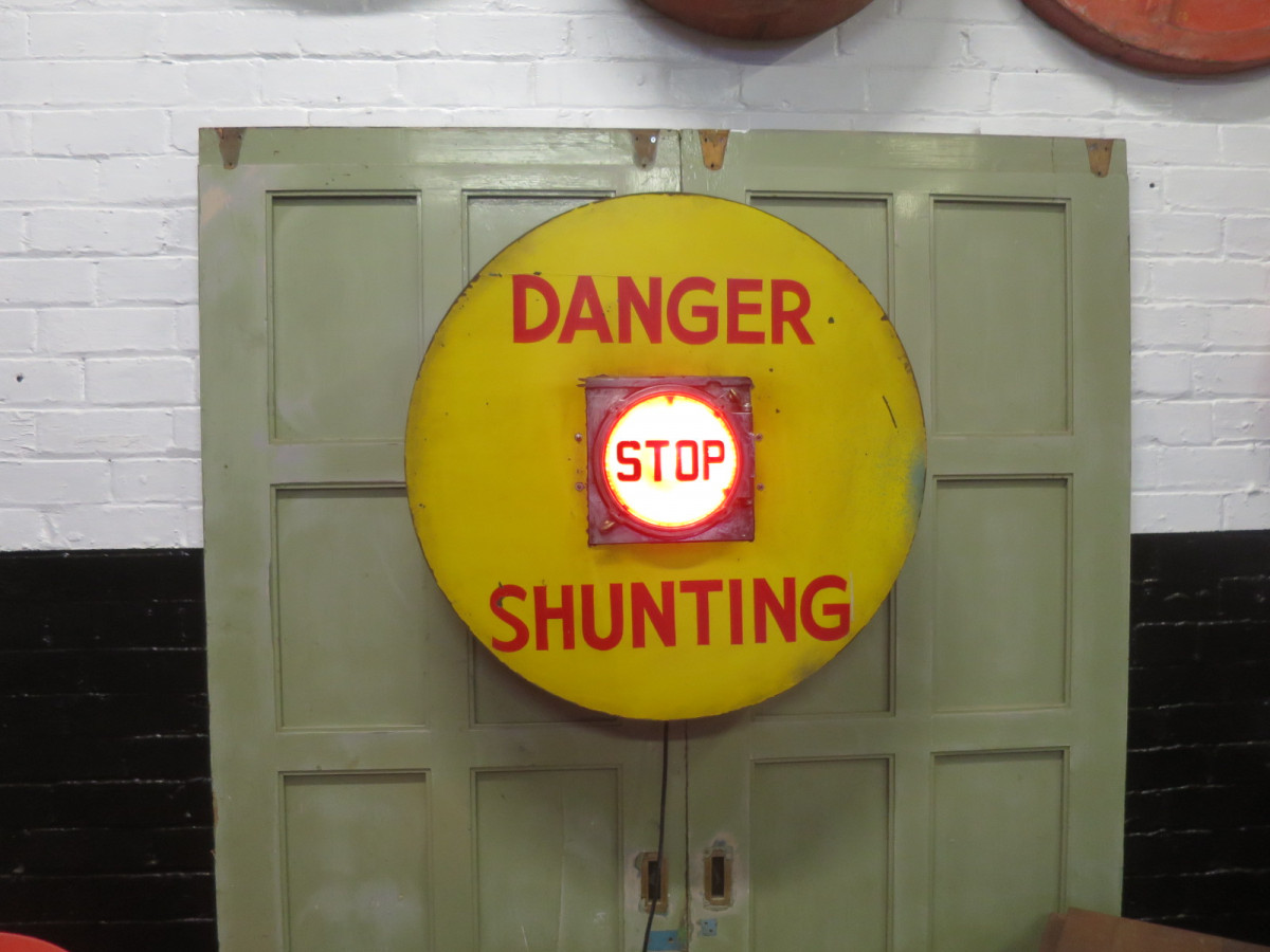 railway shunting stop light