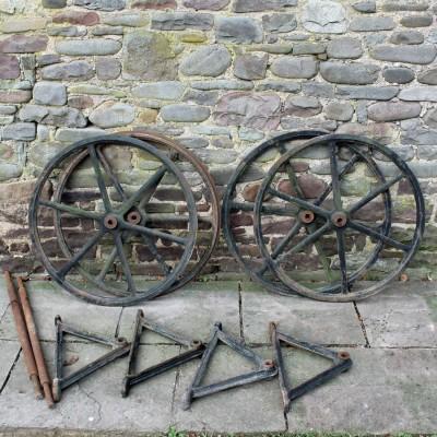 Set of 4 Cast iron wheels 33 inch