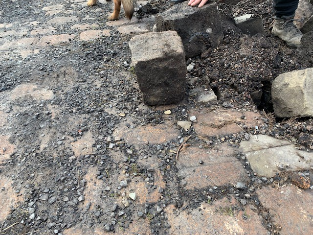 Reclaimed Gritstone Cobbles/ sets