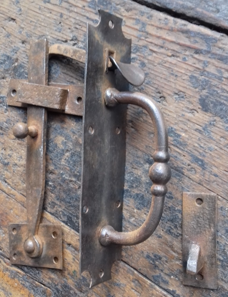 Victorian thumb latch set