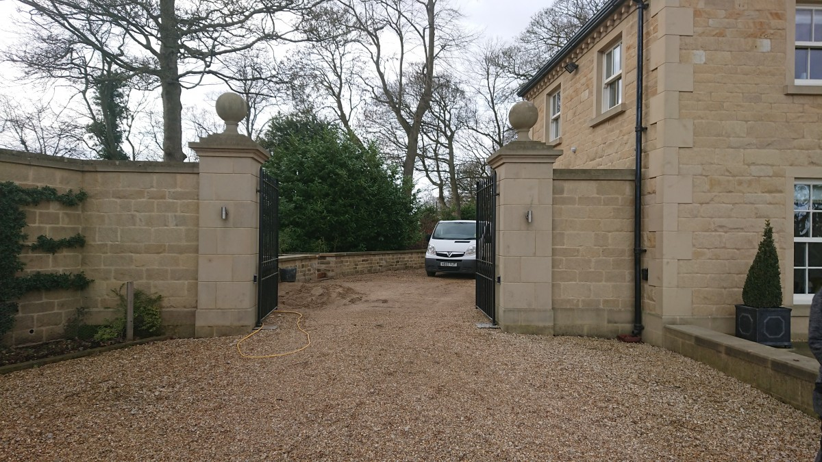 Ashlar Stone Gate Pillars, Tops, Galvanised entrance gates