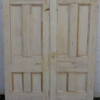 Victorian double doors in pine.