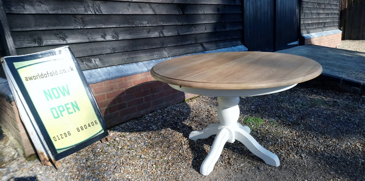 Refurbished Oak extendable table