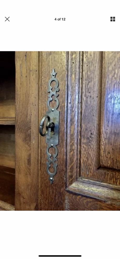French provincial Dresser/cupboard