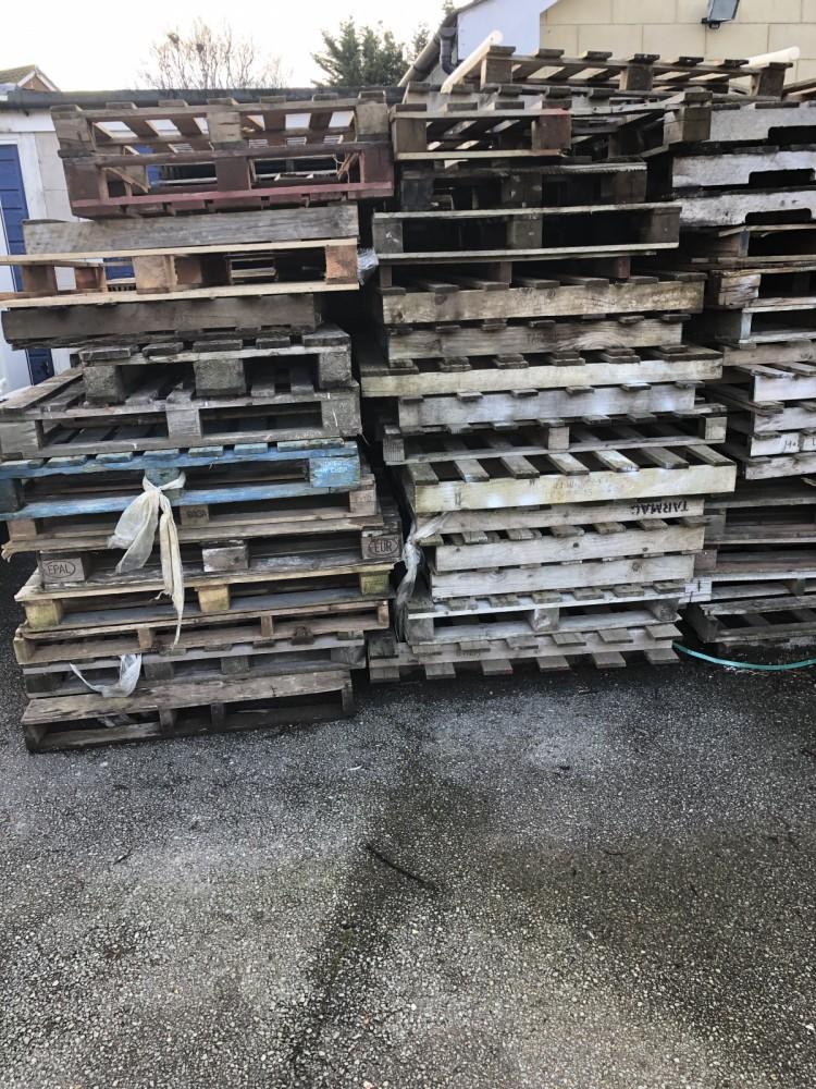Antique & Reclaimed listings Wood Pallets- SalvoWEB UK