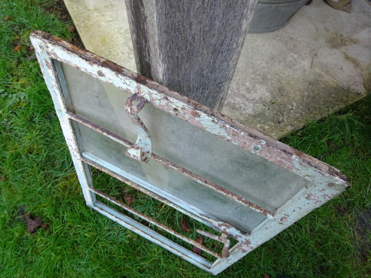 Steel frame window frame for restoration.