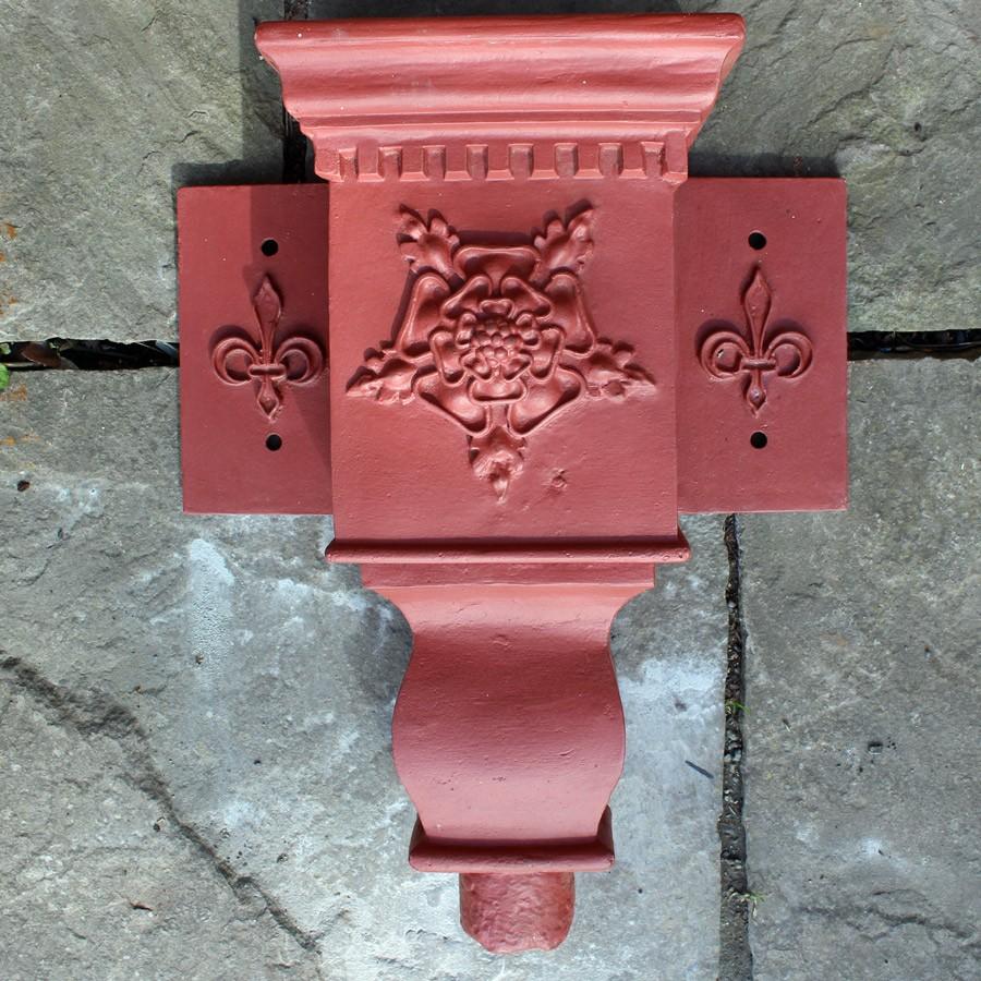 Reclaimed Tudor rose hopper