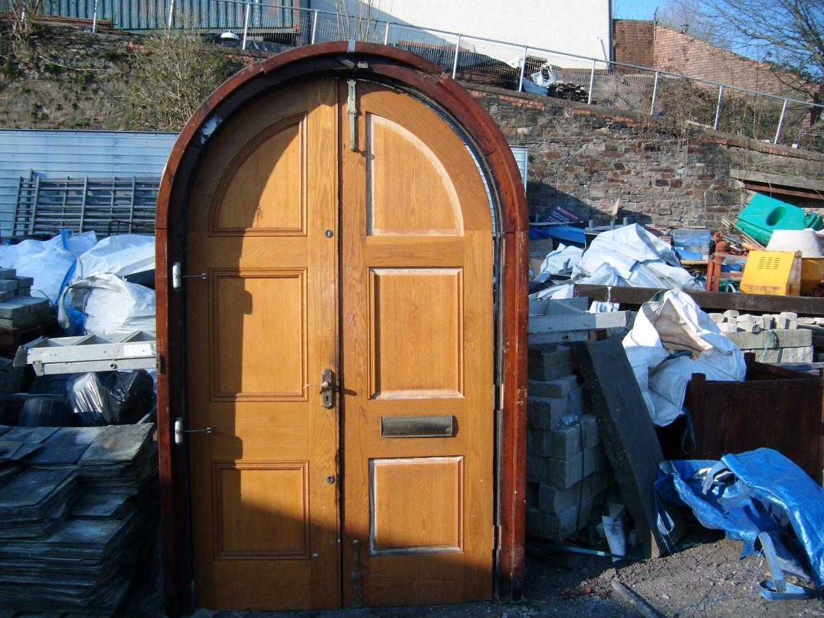 Reclaimed solid oak arched door