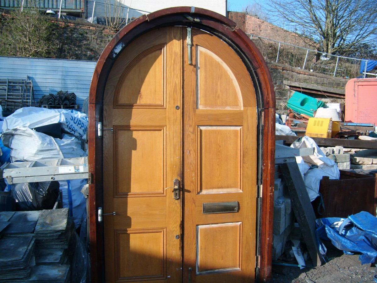 Reclaimed solid oak arched door