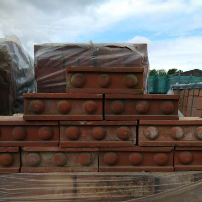 Red Decorative 3 Ball String Course Brick