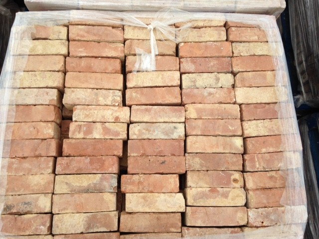 Reclaimed Victorian Imperial Hard Red Wirecut Bricks x 13,0000 Available.