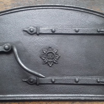 Victorian 15″ cast iron bread oven door.