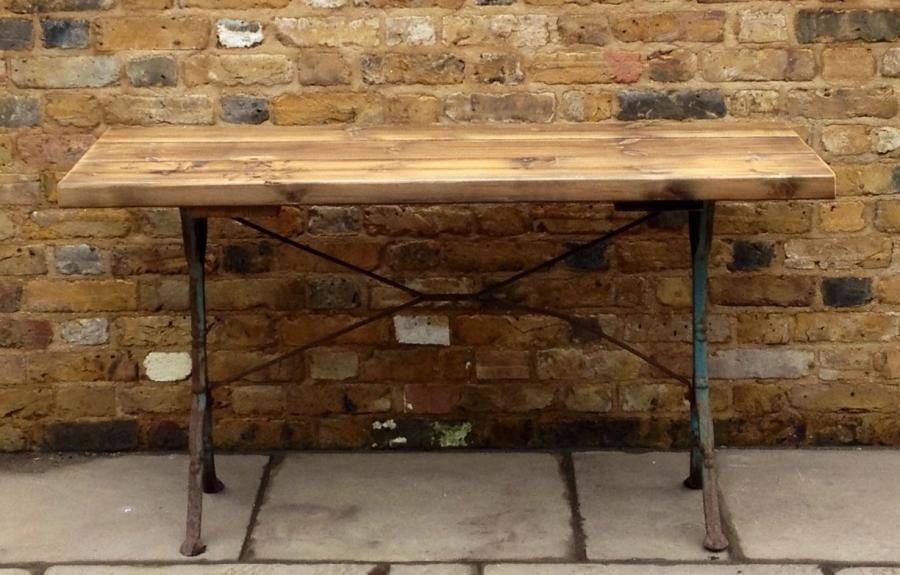 . Reclaimed Pine And Cast Iron Industrial Table   Salvoweb com
