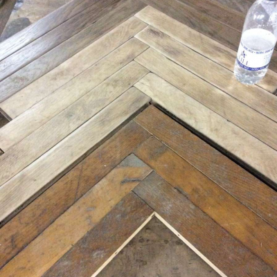 1. Laid in single herringbone