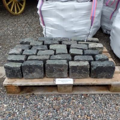 Reclaimed dark grey granite setts/cobbles