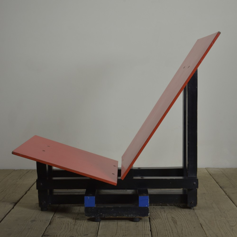 gerrit-rietveld-chair-homage-1-dpv.jpg