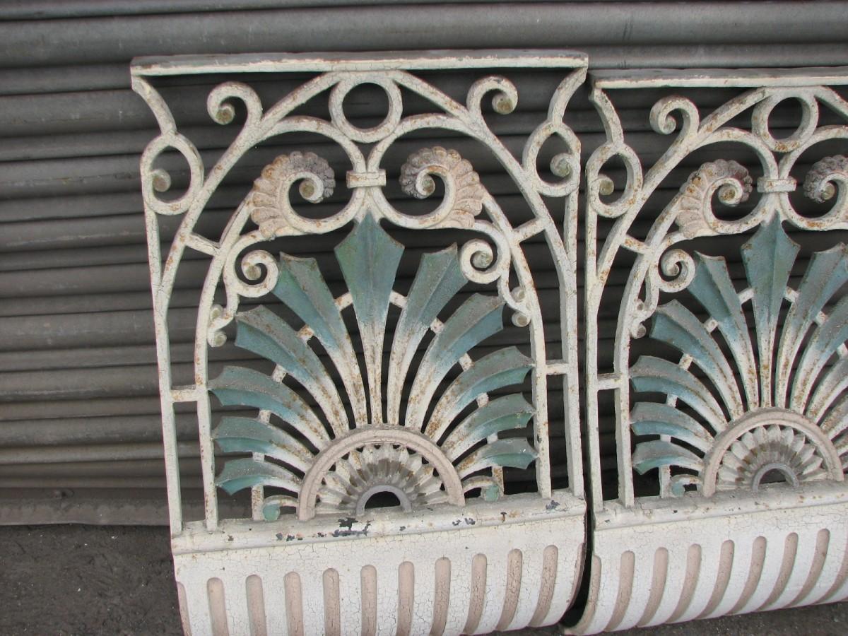 Cast iron columns and balastrade