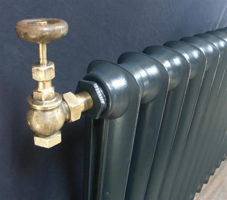 refurbished  dutchess cast iron radiator