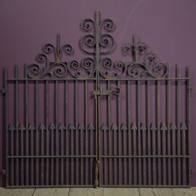 pair-antique-iron-gates-1.jpg