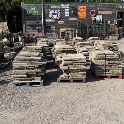 Reclaimed thin Yorkstone York stone paving RWI 4071