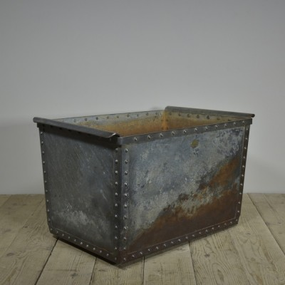 antique-riveted-quencher-tank-log-bin-1.jpg