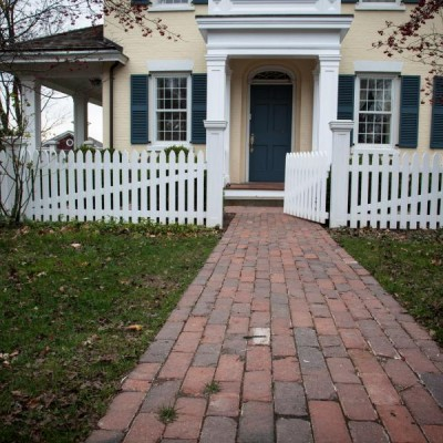 Youngstown Tan Used Brick Pavers