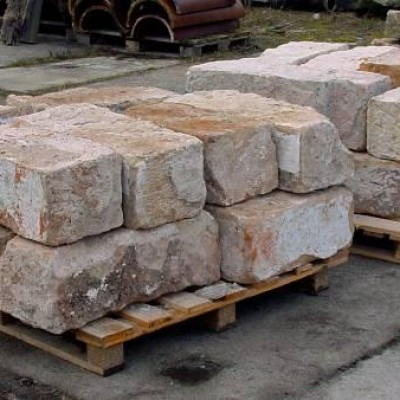 Eleven sandstone block - Onze blocs  de Gres