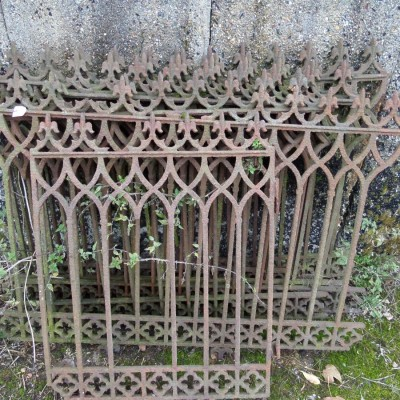 Neogotik Fences - Barrieres style Néogothique