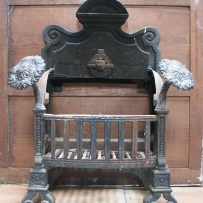 Victorian arts and crafts fire basket dog grate