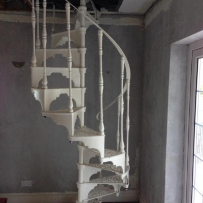 Reclaimed Cast Iron White Spiral Staircase - 13 Steps