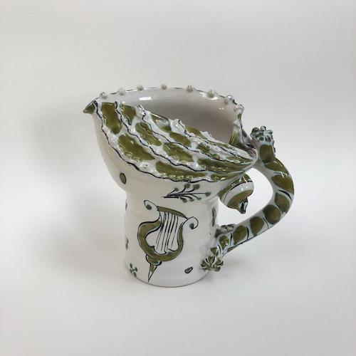 scalloped-shell-design-pottery-jug-1-blr.png