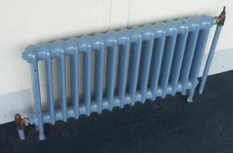 18 inch high antique cast iron radiators x 3 inch deep