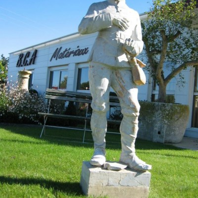 statue / antique terracotta statue of countryman