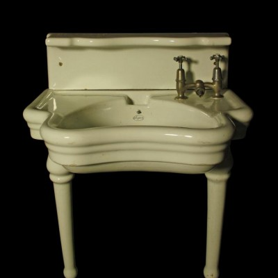A rare 1918 English barber shop wash basin / sink by Elegan