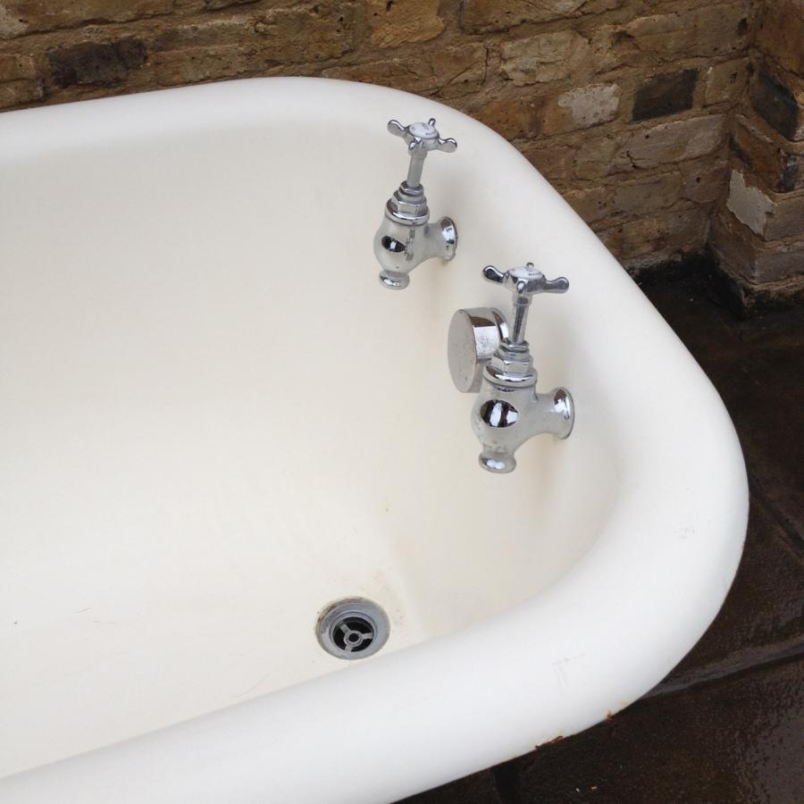 For Sale Reclaimed Cast Iron Bath Salvo UK - Salvoweb.com