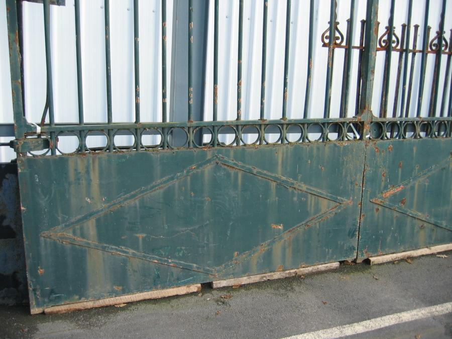 Portail  ancien fer forge grille ancienne / Antique iron gates