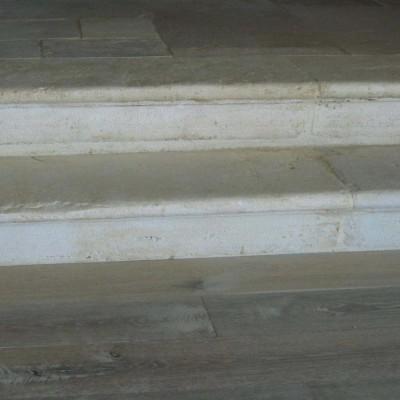 marche pierre calcaire / antique limestone steps
