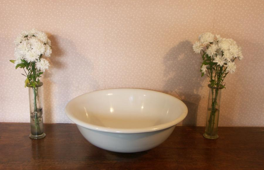 large victorian china wash basin-circular